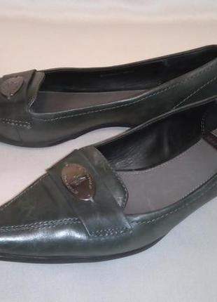 Брендовые туфли, отличное состояние,37 р.