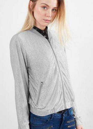 Оригинальный куртка-бомбер от бренда qs by s.oliver разм. 38