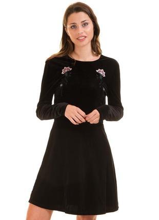 Шикарное/чёрное/велюровое/платье/новое/нарядное/с вышивкой/с разрезом/короткое