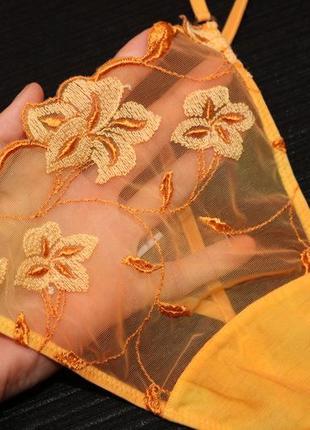 Воздушные оранжевые трусики с нежной цветочной вышивкой от la perla (размер л-хл)