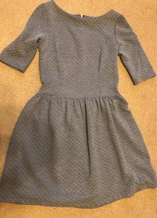 Серое тёплое зимнее платье