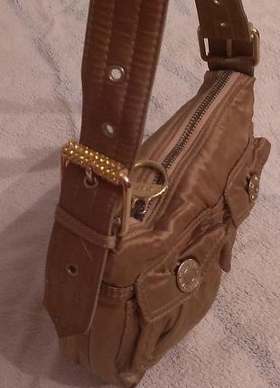 Маленькая стильная сумочка gap