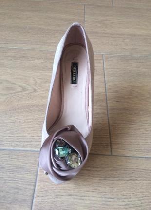Туфлі,кольору пудри