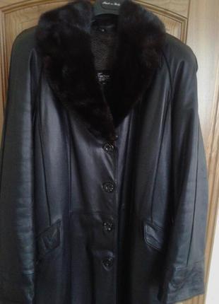Продам шикарное зимнее кожаное пальто,freccia collection,италия,р.52