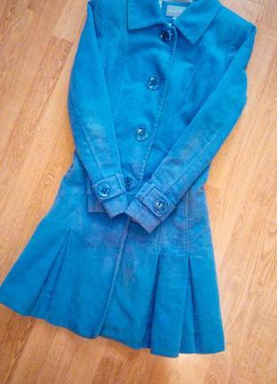 Пальто голубое синее длинное фирменное базовое повседневное приталенное по фигуре