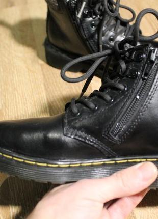 Мегакруті дитячі черевички dr.martens ботинки оригінал!3