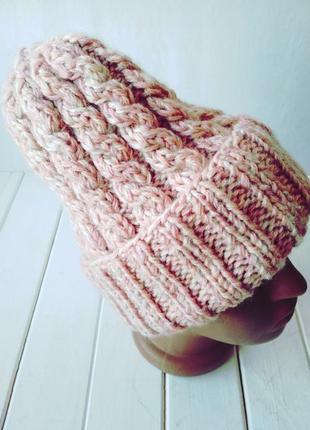 Зимняя вязаная полушерстяная шапка с отворотом