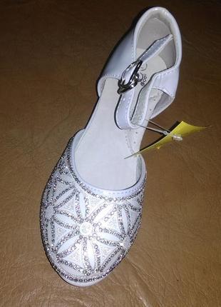 e1979722 Нарядные туфли 25 р. на девочку, каблук, святкові, праздничные, утренник,