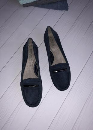Полностью натуральные замшевые туфли2 фото
