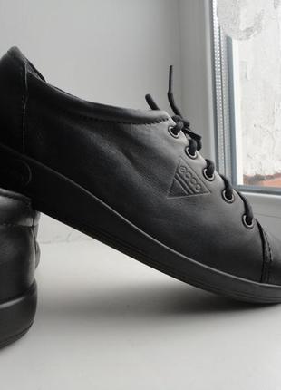 Легусенькие туфли ecco