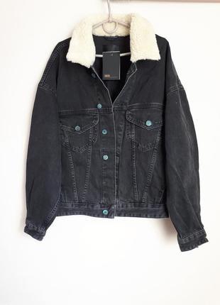 Джинсовая куртка over size с меховым воротником