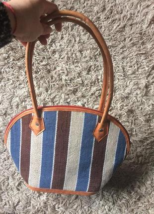 Плетёная сумка с вставками из натуральной кожи