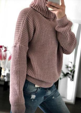 Теплый вязаный свитер  под горло в цветах