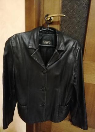 Женский кожаный пиджак3
