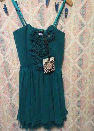 Платье изумрудного цвета с цветами коктельное платье