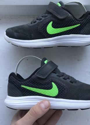 Nike revolution 3 детские спортивные кроссовки 28р оригинал