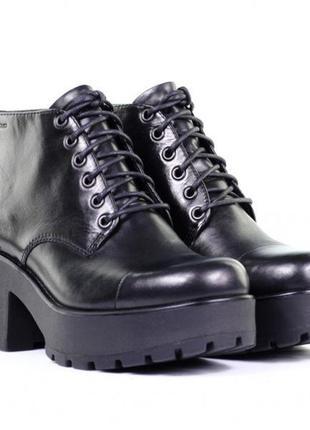 Ботинки кожаные (кожа натуральная) на толстом каблуке vagabond (к000)