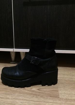 Шкіряні зимові черевички на таноквій підошві