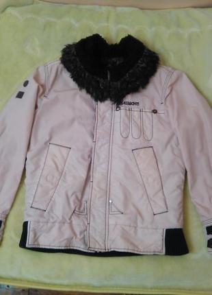 Стильная зимняя куртка energie