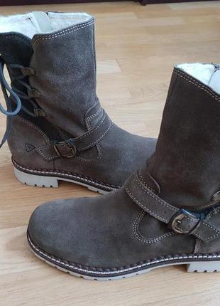 Новые натуральные фирменные ботинки на овчине 41р./27 см