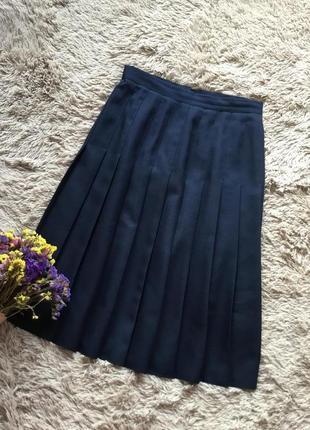Базовая актуальная юбка плиссе в красивом синем цвете