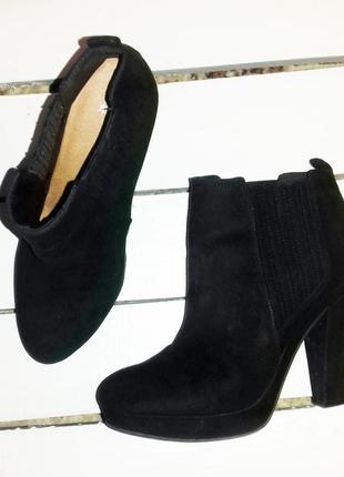 Чёрные ботинки ботильйони эко-замша