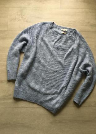 Шерстяной объемный свободный свитер оверсайз