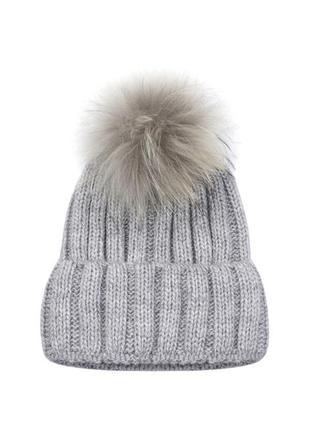 Зимняя демисезонная женская вязаная шапка с помпоном из меха енота