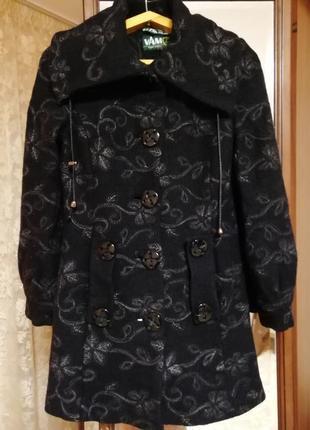 Демисезонная пальто1
