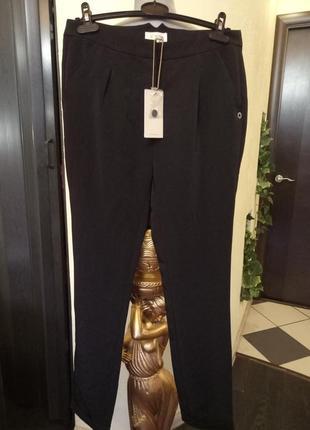 Зауженные плотные брюки 46-48размер