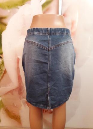 Облигаюшая джинсовая юбка р-р 48-50