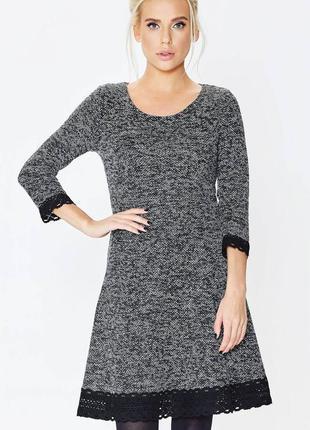 Теплое платье с кружевом nenka