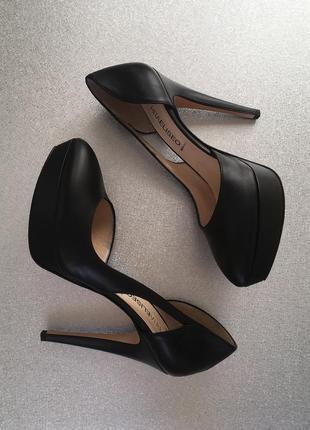Обалденные натуральные кожаные туфли vero cuoio