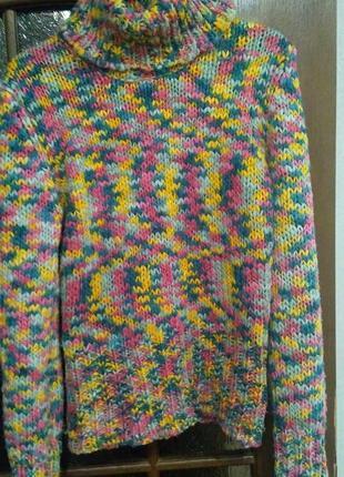 Яркий очень теплый свитер