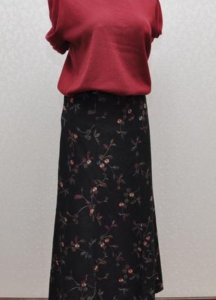 Стильная роскошная юбка  с  разноцветной вышивкой, лен