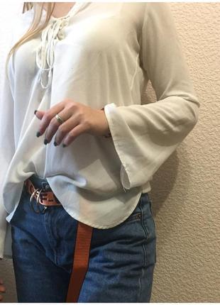 Очень красивая блуза с актуальными завязками