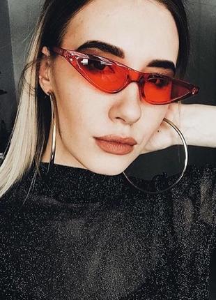 Ретро очки в стиле sci-fi c красной прозрачной оправой