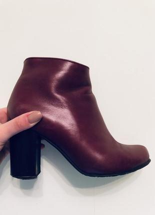 Бордові осінні жіночі чоботи1  Бордові осінні жіночі чоботи2  Бордові  осінні жіночі чоботи3 ... b8489950b929f
