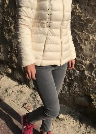 Скидка‼️ зимняя куртка от guess размеры s и m