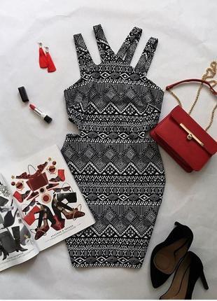 Платье вечернее нарядное на корпоратив вечеринку новый год с вырезами