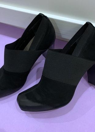 Женские итальянские туфли carnaby. размер 37 (24 см).