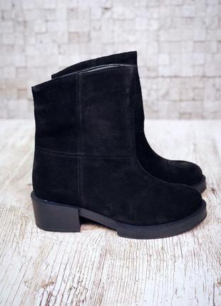 Рр 36-40 осень(зима) натуральный замш стильные черные ботинки со строчками