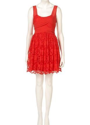 Брендовое красное ажурное шифоновое нарядное миди платье dress up topshop румыния