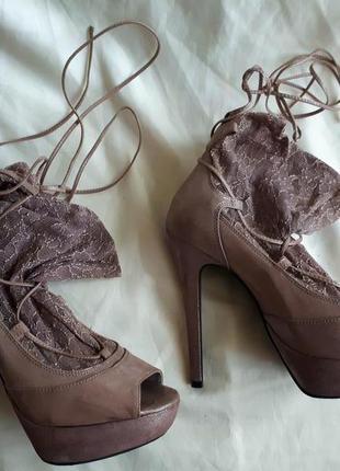 Босоножки с носочками /2я вещь в подарок