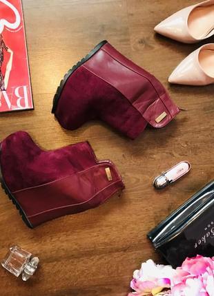 Стильные замшевые ботинки цвета марсала  на платформе