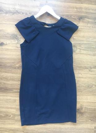 Синее платье с открытой спинкой
