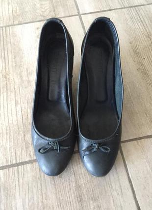 Туфли кожа на танкетке esprit