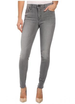 Модные серые джинсы скины