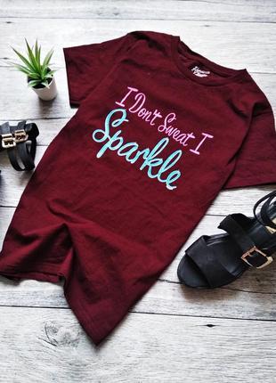 Хлопковая футболка с принтом цвета бардо от hometowm classic