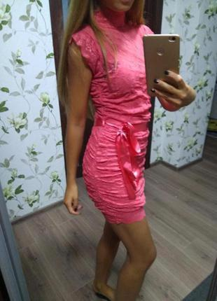Платье кружевное гипюр размер 6 хс яркое летнее нарядное праздничное